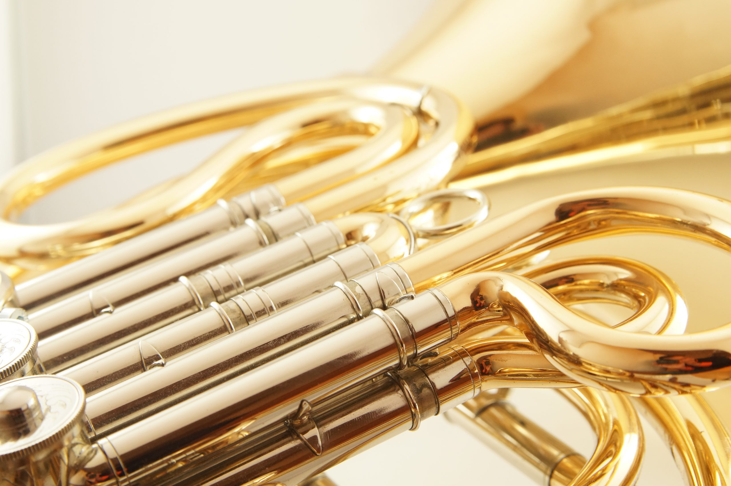 french-horn-1566587